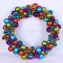 Oeuvre de Noël et couronne de balle décorative