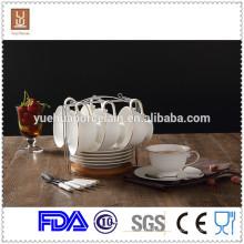 Eco-friendly ouro jante porcelana café xícara de chá e pires com colher