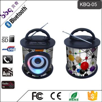 A microplaqueta multifuncional do decodificador, joga a música do formato MP3, oradores de madeira portáteis de venda quentes os mais novos de Bluetooth com controlo a distância