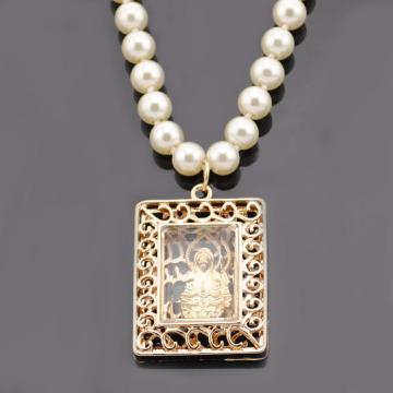 Collar de cadena de perlas falsas Hang religión cobre monograma