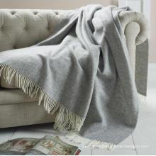 Tiro de manta de lana merino en espiga tejida