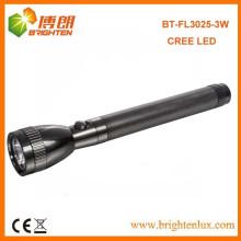 Vente en usine à main en aluminium à haute puissance Logn Beam Rang Police Cree a conduit des torches extérieures et des lampes de poche