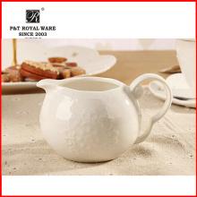 2015 Nueva jarra de leche de cerámica blanca elegante del té de la tarde del hotel para la venta al por mayor