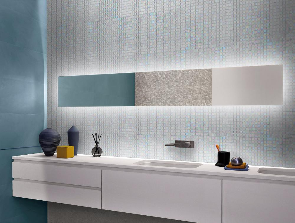 Glass mosaic wall tiles for bathroom