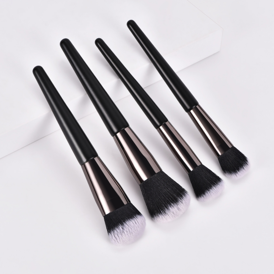 makeup brush with case