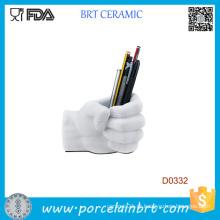 Recipiente de caneta cerâmica forma de mão branca