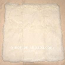 Cubierta de cojín de piel de conejo blanco