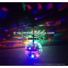 Bola de reacción de plástico recién divertida vuelo de bola de Navidad irrompible por mayor