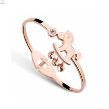 Fashion Lucky Crystal Kleine Glocke Pferd Armband, Rose Gold Plating 316L Edelstahl Pferd Armband