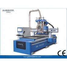 CNC-Fräser mit vertikaler Plattensäge