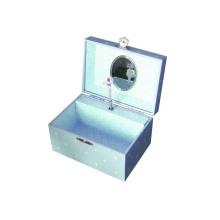 A caixa de música giratória de madeira
