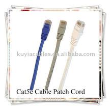 Cabo de conexão CAT 5E para redes.