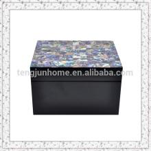 Коробка из перламутровой оболочки