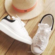 Sapatos de estudante branco para senhora