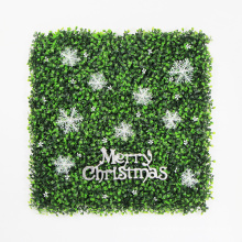 Beautiful DIY custom christmas decoration hedge for festive