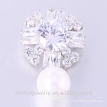 El más nuevo diseño Zircon Brooch Lovely Woman Flower Pearl Brooch
