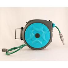 Carrete de manguera de agua retráctil portátil montado en la pared