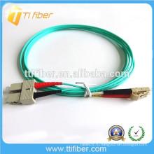 Дуплексный волоконно-оптический соединительный шнур OM3 10Gb SC / LC Indoor