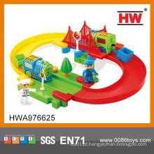 Novo design colorido ferroviário trem eletrônico conjunto brinquedo para crianças