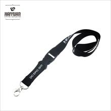 Черный отдельный шнур с экологически чистым материалом, используемым для офиса