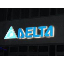 Volles beleuchtetes LED-Acrylkanal-Buchstabe-Zeichen im Freien