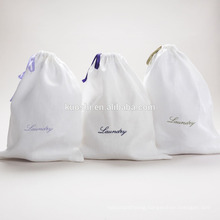 Canvas laundry bag with handle