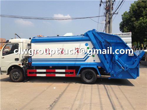 Garbage collecting truck