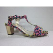 Nuevas sandalias de diseño Ladies Chunk (HCY03-088)