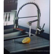 Vertikal herausziehen Küchenarmatur mit zwei Griffen