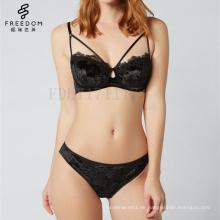 neue Mädchen sexy Bild sexy Lady neue BH Panti Foto hot sexi Foto Bild Velvet Balconette BH