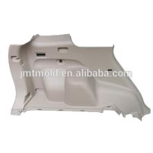 El profesional hace el molde plástico del panel interno de la puerta de coche, molde del panel 1auto, molde auto de la pieza
