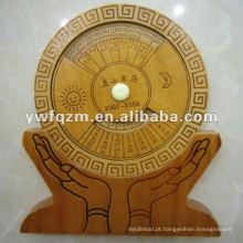 calendário perpétuo de madeira do projeto novo para o presente da promoção