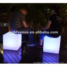 La emoción de la noche creando LED Cube Chair