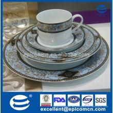 Cerámica del este de lujo de la alta calidad, sistema de la porción de la cena del patrón del oro, vajilla popular del oro 2015