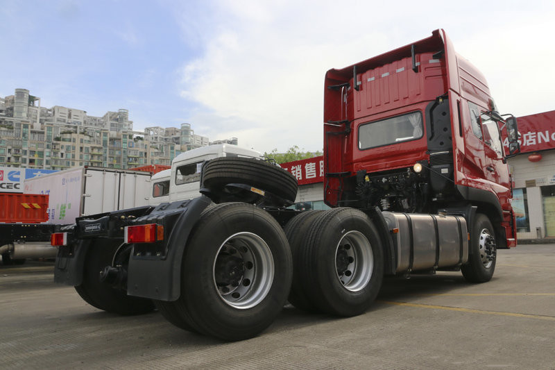 Dongfeng 6X4 Pime mover 4