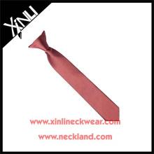 Hermoso corbata con clip de poliéster color sólido para niño