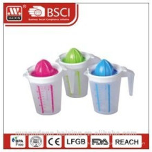 Fruit Juicer with measure cup