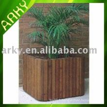 Pot de jardin en bois de bonne qualité