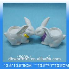 Симпатичный кролик разработан керамический подсвечник