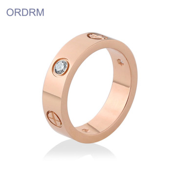 Unik Rose Gold Cubic Zirconia Wedding Band