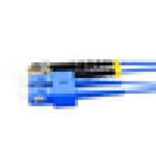 Cabo de fibra óptica interna com blindagem de nível de telecomunicações