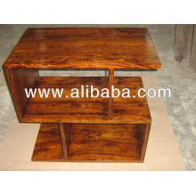 Gabinetes de exibição em madeira da sala de estar