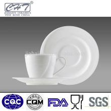 High quality porcelain tea cup and saucer for home
