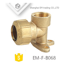 EM-F-B068 Spain 90 degree Pex Fitting with brass Drop Ear Elbow pipe