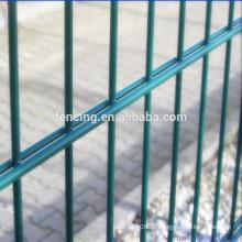 Двойная проволочная сетка забор дополнительно выберите колючую проволоку из бритвы для военной базы аэропорта (заводская цена)