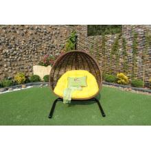 La silla vendedora o la hamaca más grande del oscilación del rotén del polivinílico para el jardín al aire libre