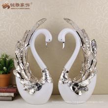 Handmade resin decorative swans statue wedding decoration