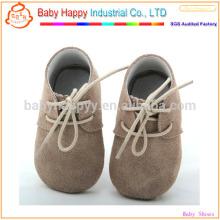 Zapatos de bebé divertidos de Brown oxford vende al por mayor suavemente los zapatos de cuero únicos del bebé