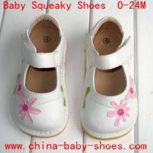 Weißes rosa Gänseblümchen-Blumen-Baby-Kleinkind-Mädchen-Schuhe Klett-quietschende Schuhe