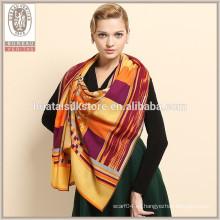 Venta al por mayor Diseño personalizado a medida de lana de impresión de lana bufanda de lana de encargo